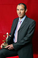 Fotball<br /> Frankrike<br /> Foto: Dppi/Digitalsport<br /> NORWAY ONLY<br /> <br /> UNFP AWARDS - 22/05/2005<br /> <br /> PAUL LE GUEN (AWARD FOR THE BEST COACH IN LEAGUE 1 FOR THE 2004/2005 SEASON)