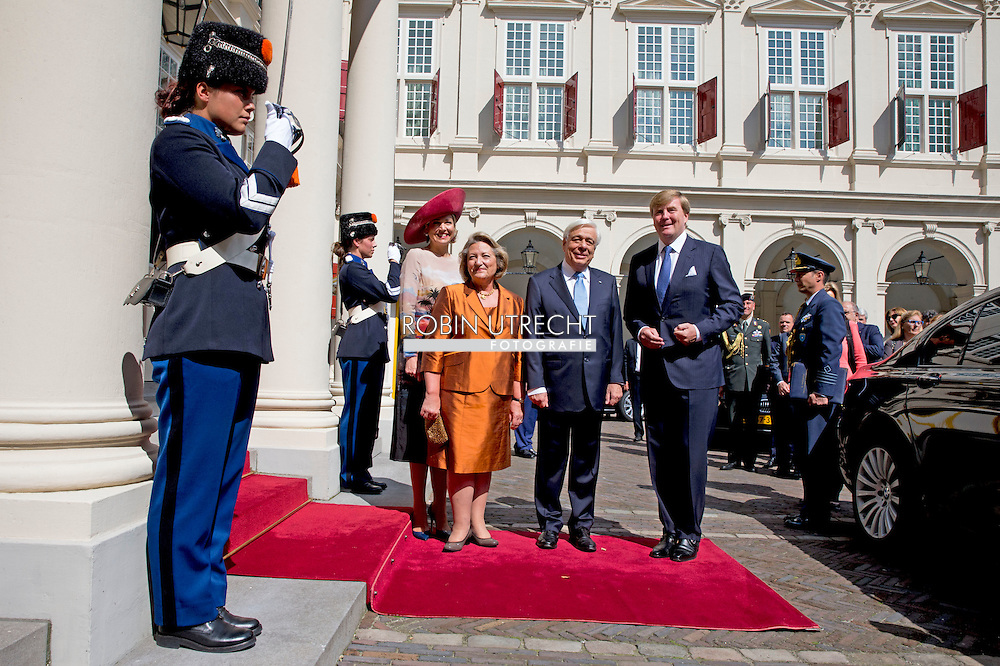 4-7-2016 - THE HAGUE - July 4 received King Willem-Alexander and Queen Maxima Greek President Prokopis Pavlopoulos and his wife with a welcome ceremony at Noordeinde Palace in The Hague. Followed by an audience. Then offer King Willem-Alexander and Queen Maxima the presidential couple a lunch. The King and keep the president taking a speech. The President of the Hellenic Republic, COPYRIGHT ROBIN UTRECHT<br /> 4-7-2016 - DEN HAAG  - 4 juli ontvangen Koning Willem-Alexander en Koningin Maxima de Griekse president Prokopis Pavlopoulos en zijn echtgenote met een welkomstceremonie bij Paleis Noordeinde in Den Haag. Aansluitend volgt een audi&euml;ntie. Vervolgens bieden Koning Willem-Alexander en Koningin Maxima het presidenti&euml;le paar een lunch aan. De Koning en de president houden daarbij een toespraak. De president van de Helleense Republiek, COPYRIGHT ROBIN UTRECHT