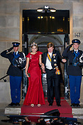 Galadiner voor het Corps Diplomatique in het Koninklijk Paleis in Amsterdam // Gala dinner for the Corps Diplomatique at the Royal Palace in Amsterdam<br /> <br /> Op de foto:  Koning Willem Alexander en Koningin Maxima / King Willem Alexander and Queen Maxima