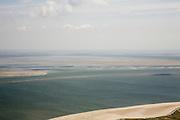 Nederland, Noord-Holland, Texel, 14-07-2008; water van de Waddenzee tussen Texel en Vlieland, het Robbengat en Vogelzwin; droogvallende platen  (Steenplaat, Hengst, Ballastplaat); .vogel- en natuurreservaat; eb en vloed, getijden, getijdegebied, zand. .luchtfoto (toeslag); aerial photo (additional fee required); .foto Siebe Swart / photo Siebe Swart