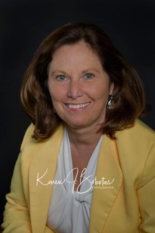 Suzanne Watson Headshots.  ©2017 Karen Bobotas Photographer