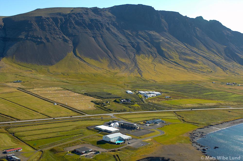Klébergsskóli og Vallá, Kjalarnes séð til norðausturs, Reykjavík / Kleberg primary school and Vallá, Kjalarnes viewing northeast, Reykjavík.