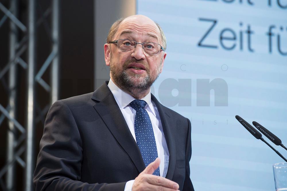 29 JAN 2016, BERLIN/GERMANY:<br /> Martin Schulz, SPD, Kanzlerkandidat, haelt seine Vorstellungsrede, Vorstellung von Schulz als Kanzlerkandidat der SPD zur Bundestagswahl, nach der Nominierung durch den SPD-Parteivorstand, Willy-Brandt-Haus<br /> IMAGE: 20170129-01-037