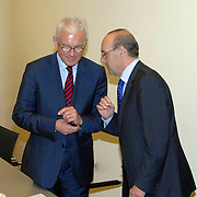 NLD/Den Haag/20070412 - Visit of Mr. Hans-Gert Pöttering, president of the European parliament to The Hague, meeting with the Presidents of the 4 leading political groups..NLD/Den Haag/20070412 - President Europees Parlement Hans-Gert Pöttering bezoekt Den Haag, ontmoeting met de 4 politiieke leiders van de grootste partijen.  ** foto + verplichte naamsvermelding Brunopress/Edwin Janssen  **