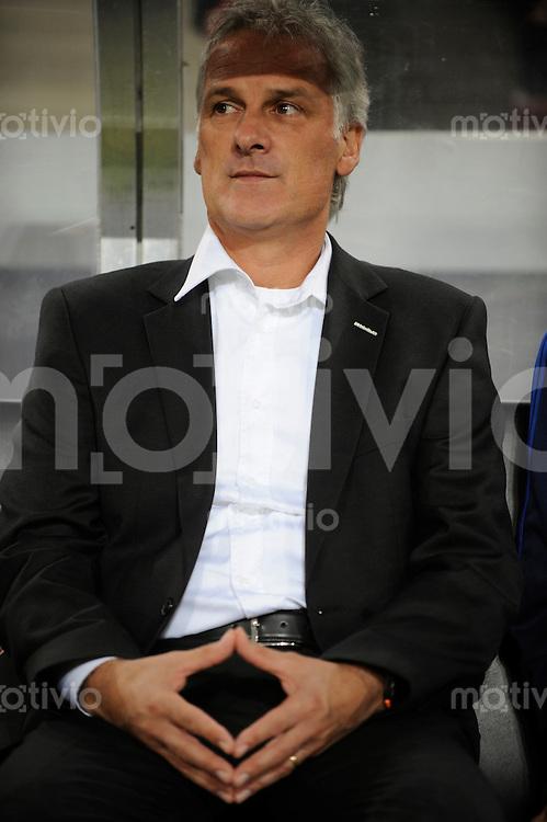 FUSSBALL   1. BUNDESLIGA   SAISON 2008/2009   6. SPIELTAG 1.FC Koeln - FC Schalke 04          26.09.2008 Fred RUTTEN (Schalke) nachdenklich.