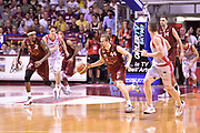 DESCRIZIONE : Venezia Lega A 2014-15 Semifinale Gara 7 Umana Venezia - Grissin Bon Reggio Emilia  <br /> GIOCATORE : Deividas Dulkys<br /> CATEGORIA : contropiede palleggio doppia<br /> SQUADRA : Umana Venezia<br /> EVENTO : Campionato Lega A 2014-2015 <br /> GARA : Semifinale Gara 7 Umana Venezia - Grissin Bon Reggio Emilia <br /> DATA : 11/06/2015<br /> SPORT : Pallacanestro <br /> AUTORE : Agenzia Ciamillo-Castoria/GiulioCiamillo<br /> Galleria : Lega Basket A 2014-2015  <br /> Fotonotizia : Venezia Lega A 2014-15 Semifinale Gara 7 Umana Venezia - Grissin Bon Reggio Emilia