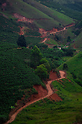 Alto Caparao_MG, Brasil...Vista panoramica de uma estrada de terra em Alto Caparao...The panoramic view of land road in Alto Caparao...Foto: BRUNO MAGALHAES / NITRO