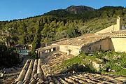 Spanien Spain,Mallorca Balearen....Binibona near Selva....Finca Es Castell, Blick ueber Ziegeldaecher....finca Es Castell, view over tiled roof........