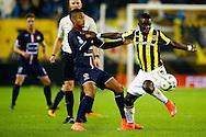 27-02-2016 VOETBAL:VITESSE - WILLEM II:ARNHEM<br /> Marvelous Nakamba van Vitesse in duel met Funso Ojo van Willem II <br /> <br /> Foto: Geert van Erven