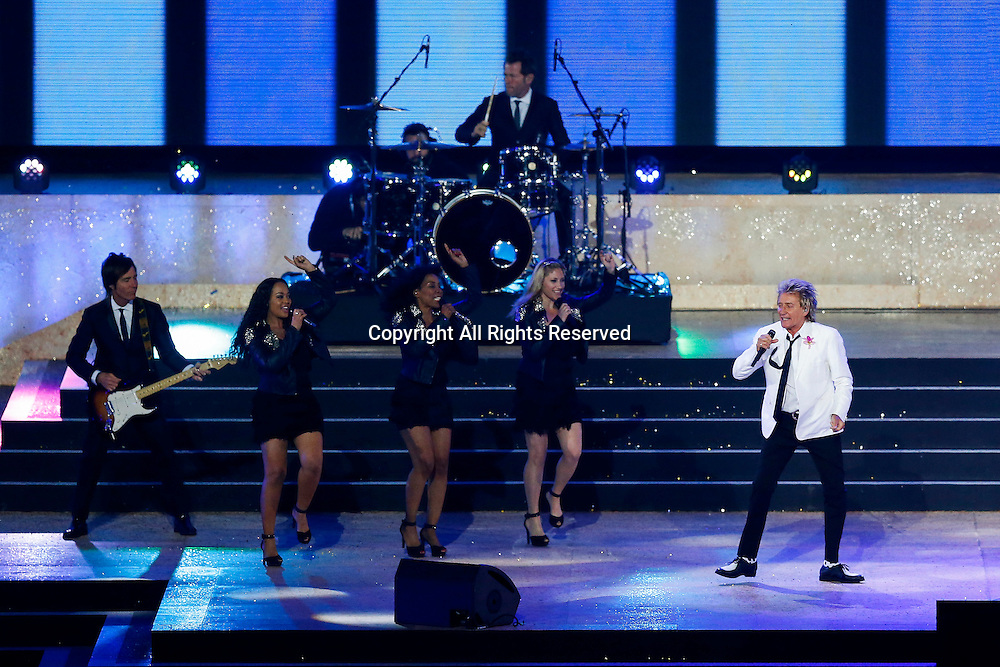 23.07.2014. Glasgow, Scotland. Glasgow 2014 Commonwealth Games. Rod Stewart performs during the Opening Ceremony.