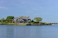 121 Cobb Isle rd, Mecox Bay, Water MIll, NY