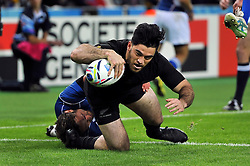 Nehe Milner-Skudder of New Zealand scores a try - Mandatory byline: Patrick Khachfe/JMP - 07966 386802 - 24/09/2015 - RUGBY UNION - The Stadium, Queen Elizabeth Olympic Park - London, England - New Zealand v Namibia - Rugby World Cup 2015 Pool C.