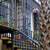 Ornamental Ironwork of Architecture in Savannah, Georgia<br /> If you like architecture, you will love Savannah. There are over 1,000 buildings in the city with historic importance dating to the 18th and 19th centuries. You will enjoy seeing numerous styles including Georgian, Greek Revival, Italianate and Second French Empire. Equally charming is the abundance of ornamental ironwork on the well-preserved homes and public buildings.
