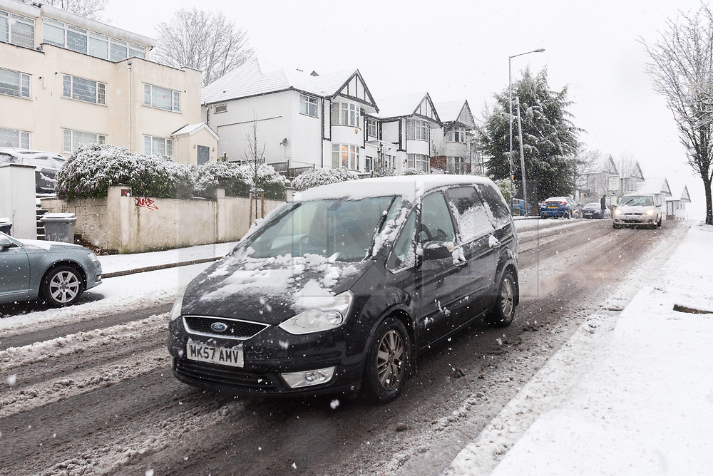 © Licensed to London News Pictures. 10/12/2017. London, UK. Heavy snow fall early morning on the streets and roads of Wembley, North West London.  The weather has caused travel disruption in the capital. Photo credit: Ray Tang/LNP