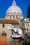 Roma La cupola di San Pietro al Vaticano .Dome of St Peter's Basilica in Vatican City.
