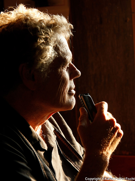 Harmonica Player and  Singer Songwriter Jon Gindick of Ventura, California. (Photo by Karen Pulfer Focht)