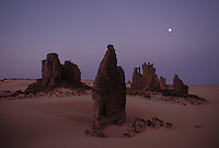 landscape in the sahara - al hoggar - Algeria - photograph by Owen Franken