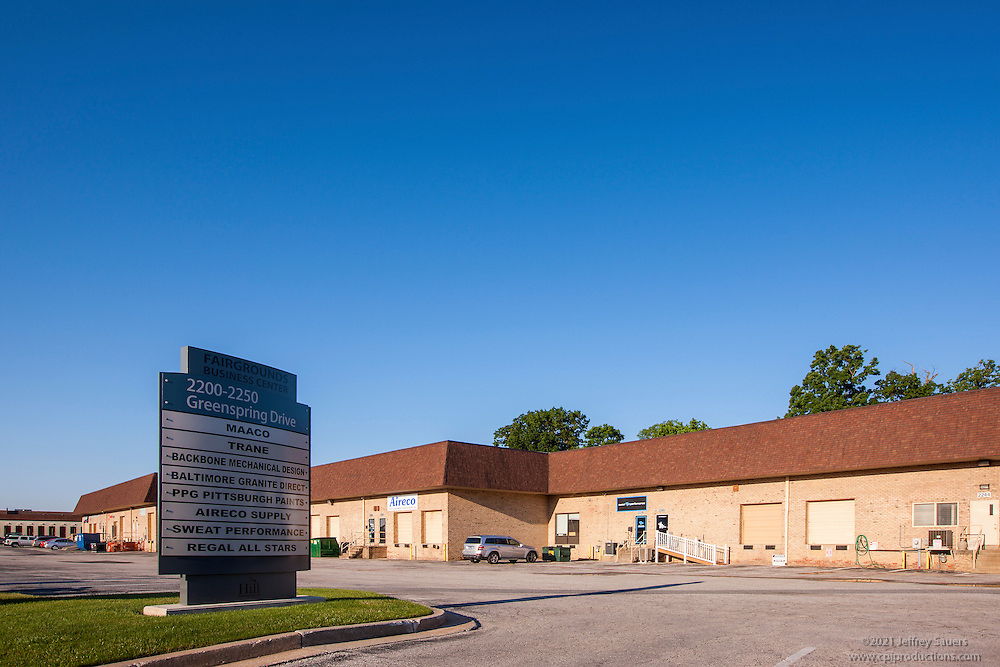 Exterior photo of Fairgrounds Business Center warehouse image by Jeffrey Sauers of Commercial Photographics