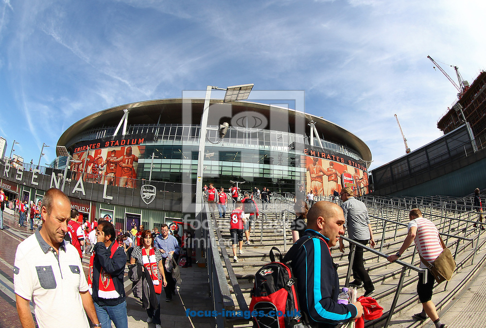 Picture by John  Rainford/Focus Images Ltd +44 7506 538356.15/09/2012.General view of the exterior of the Emirates Stadium, London.