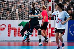 11-12-2019 JAP: Netherlands - Korea, Kumamoto<br /> Last match Main Round Group1 at 24th IHF Women's Handball World Championship, Netherlands win the last match against Korea with 36 - 24. / Laura van der Heijden #6 of Netherlands