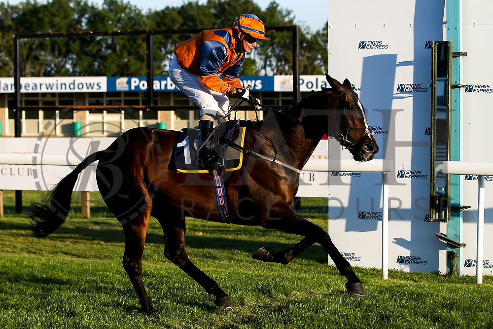 Flying Focus ridden by K T O'Neill and trained by M F Harris - Mandatory by-line: Robbie Stephenson/JMP - 25/06/2020 - HORSE RACING - Bath Racecoure - Bath, England - Bath Races 25/06/20