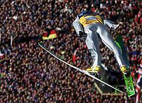 Hopp: Verdenscup WC Hoppuka. 30.12.2001 Oberstdorf, Deutschland,<br />Der Pole Adam Malysz am Sonntag (30.12.2001) beim 1.Springen der Vierschanzentournee in Oberstdorf. <br />Foto: JAN PITMAN, Digitalsport