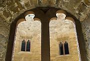 Burg Hohenzollern, gotische Fenster, Schwäbische Alb, Baden-Württemberg, Deutschland.. | ..Hohenzollern Castle, gothic window, Germany