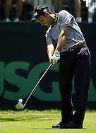 Edoardo Molinari of Italy hits his tee shot on the first hole during the first day of the US Open Golf Championship at Winged Foot Golf Club in Mamaroneck, New York Thursday, 15 June 2006.