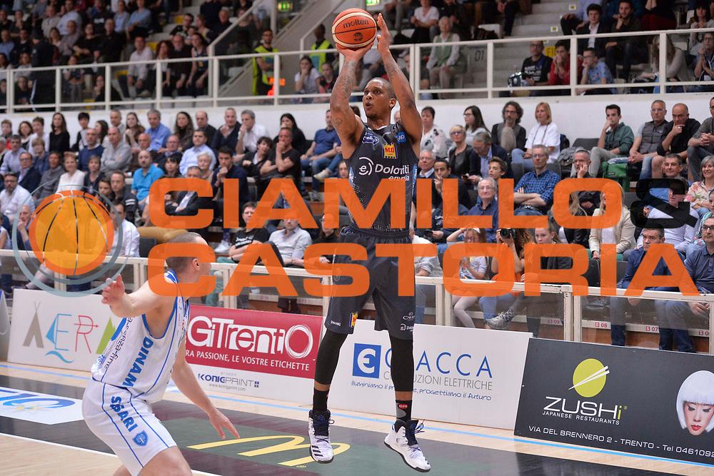 Joao Gomes<br /> Dolomiti Energia Aquila Basket Trento - Banco di Sardegna Dinamo Sassari<br /> Lega Basket Serie A 2016/2017<br /> Trento, 08/04/2017<br /> Foto Ciamillo - Castoria