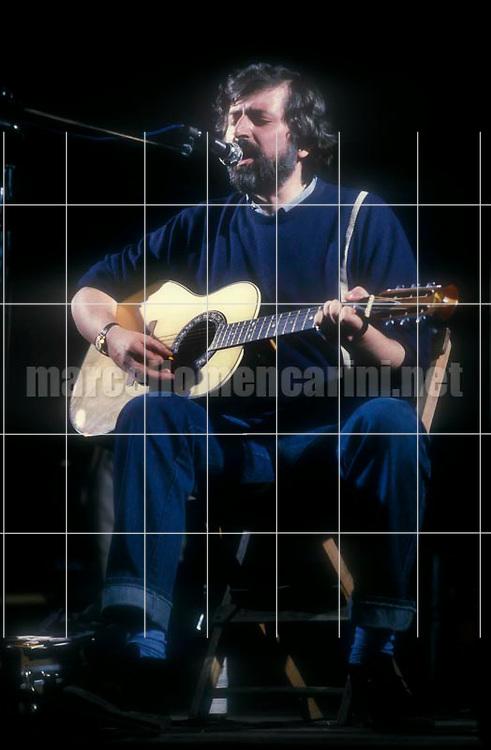 Rome, about 1985. Italian singer-songwriter Francesco Guccini performing / Roma, 1985 circa. Il cantautore Francesco Guccini in concerto - © Marcello Mencarini