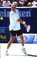 Sport,Tennis,Thomas Enqvist (SWE) spielt Rueckhand Return, beidhaendig,Kappe,schwedische Flagge, Grand Slam Turnier,<br /> Australian Open 2000,Aktion,<br /> Einzelbild,Ganzkoerper,Hochformat,