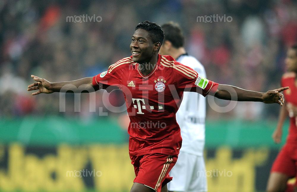 Fussball DFB Pokal:  Saison   2011/2012  2. Runde  26.10.2011 FC Bayern Muenchen - FC Ingolstadt 04 Jubel nach dem Tor zum 2:0 David Alaba (FC Bayern Muenchen)
