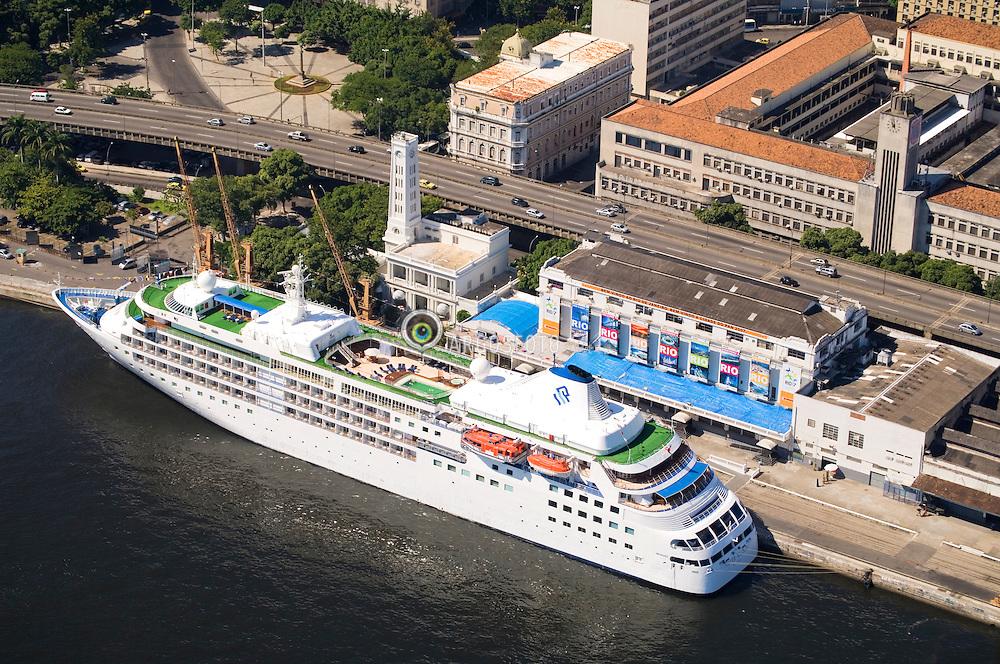 Pier Maua, Terminal maritimo de passageiros do Porto do Rio de Janeiro - ESMAPA. /  Maritime Passenger Station of Rio de Janeiro