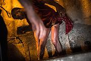 Finito il percorso i battenti arrivano ad una fontana dove possono lavarsi e ripulirsi dal sangue