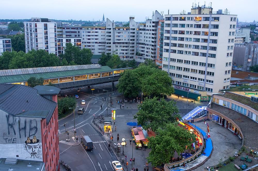 "Germany - Deutschland - BERLIN KREUZBERG - Kottbusser Tor, KOTTI; NKZ (Neues Kreuzberger Zentrum); Bewegung: "" we love KOTTI "";  21.06.2012; © Christian Jungeblodt"