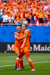 15-06-2019 FRA: Netherlands - Cameroon, Valenciennes<br /> FIFA Women's World Cup France group E match between Netherlands and Cameroon at Stade du Hainaut / Vivianne Miedema #9 of the Netherlands scores 1-0, Lieke Martens #11 of the Netherlands