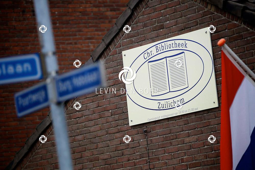 ZUILICHEM - De Chr. Bibliotheek is feestelijk geopent door de vrijwilligers van de Bibliotheek. Wethouder Han Looijen was ook ter plaatsen. FOTO LEVIN DEN BOER - PERSFOTO.NU