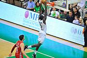 DESCRIZIONE : Campionato 2013/14 Finale GARA 4 Montepaschi Mens Sana Siena - Olimpia EA7 Emporio Armani Milano<br /> GIOCATORE : Othello Hunter<br /> CATEGORIA : Schiacciata<br /> SQUADRA : Montepaschi Siena<br /> EVENTO : LegaBasket Serie A Beko Playoff 2013/2014<br /> GARA : Montepaschi Mens Sana Siena - Olimpia EA7 Emporio Armani Milano<br /> DATA : 21/06/2014<br /> SPORT : Pallacanestro <br /> AUTORE : Agenzia Ciamillo-Castoria / Luigi Canu<br /> Galleria : LegaBasket Serie A Beko Playoff 2013/2014<br /> Fotonotizia : DESCRIZIONE : Campionato 2013/14 Finale GARA 4 Montepaschi Mens Sana Siena - Olimpia EA7 Emporio Armani Milano<br /> Predefinita :