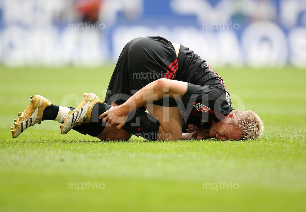FUSSBALL     1. BUNDESLIGA    SAISON 2007/2008 Christian LELL (FC Bayern Muenchen) verletzt am Boden
