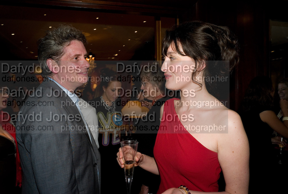 COSMO LANDESMAN; CATHERINE BLYTHE; , Catherine Blythe. ' The Art Of Conversation.' Book launch. Ralph Lauren. New Bond St. London. 4 November 2008.  *** Local Caption *** -DO NOT ARCHIVE-© Copyright Photograph by Dafydd Jones. 248 Clapham Rd. London SW9 0PZ. Tel 0207 820 0771. www.dafjones.com.