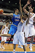 DESCRIZIONE : Sapporo Giappone Japan Men World Championship 2006 Campionati Mondiali China-Italy <br /> GIOCATORE : Luca Garri <br /> SQUADRA : Italy Italia <br /> EVENTO : Sapporo Giappone Japan Men World Championship 2006 Campionato Mondiale China-Italy <br /> GARA : China Italy Cina Italia <br /> DATA : 19/08/2006 <br /> CATEGORIA : Passaggio <br /> SPORT : Pallacanestro <br /> AUTORE : Agenzia Ciamillo-Castoria/E.Castoria <br /> Galleria : Japan World Championship 2006<br /> Fotonotizia : Sapporo Giappone Japan Men World Championship 2006 Campionati Mondiali China-Italia <br /> Predefinita :