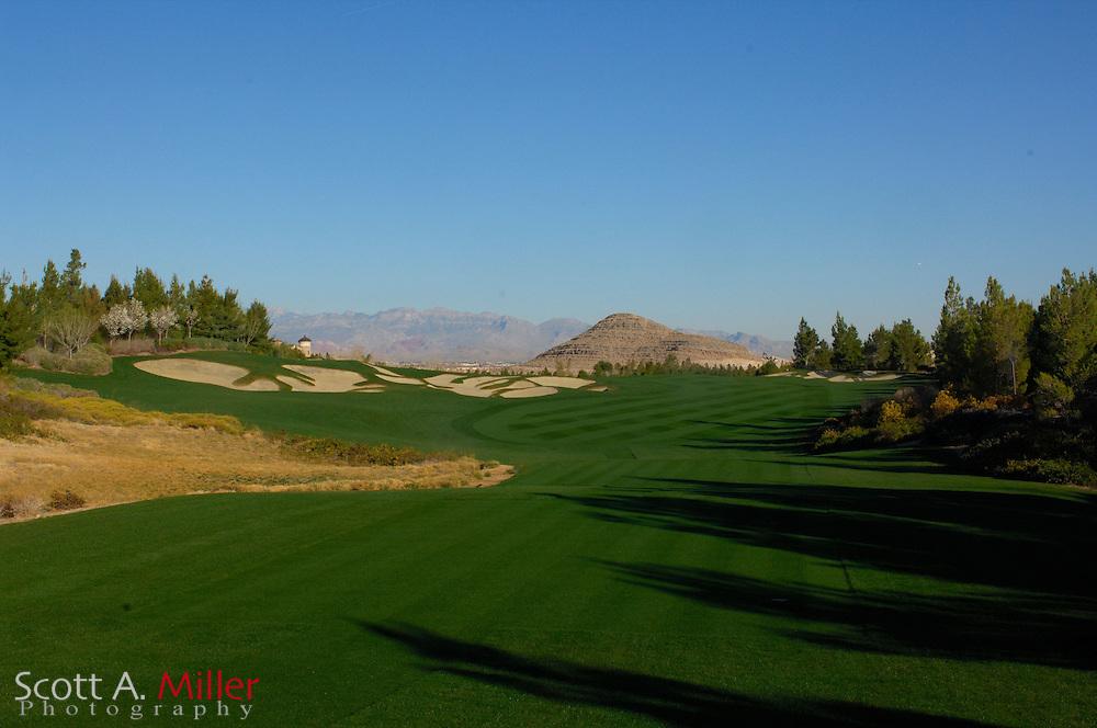 Southern Highlands Golf Club Hole No. 9..                ©2006 Scott A. Miller