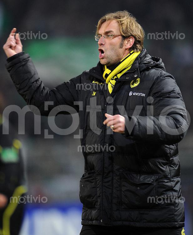 FUSSBALL   1. BUNDESLIGA   SAISON 2010/2010   16. SPIELTAG Borussia Dortmund - SV Werder Bremen                  11.12.2010 Trainer Juergen KLOPP (Borussia Dortmund) engagiert an der Seitenlinie