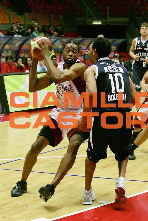 DESCRIZIONE : Livorno Lega A1 2005-06 Basket Livorno Climamio Fortitudo Bologna<br /> GIOCATORE : Dobbins<br /> SQUADRA : Basket Livorno<br /> EVENTO : Campionato Lega A1 2005-2006<br /> GARA : Basket Livorno Climamio Fortitudo Bologna<br /> DATA : 26/02/2006<br /> CATEGORIA : Penetrazione<br /> SPORT : Pallacanestro<br /> AUTORE : Agenzia Ciamillo-Castoria/Stefano D'Errico<br /> Galleria : Lega Basket A1 2005-2006<br /> Fotonotizia : Livorno Campionato Italiano Lega A1 2005-2006 Basket Livorno Climamio Fortitudo Bologna<br /> Predefinita :
