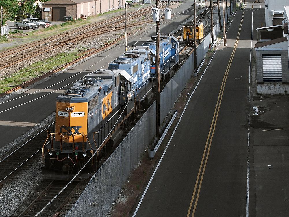 Photo of csx train engine shot from rt 46 overpass Ridgefield Park, NJ
