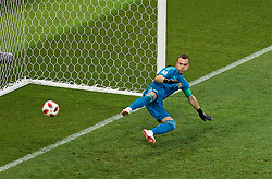 MOSCOW, RUSSIA - Sunday, July 1, 2018: Russia's goalkeeper Igor Akinfeev looks on as he conceeds Spain's third penalty of the shoot-out during the FIFA World Cup Russia 2018 Round of 16 match between Spain and Russia at the Luzhniki Stadium. Russia won 4-3 on penalties after a 1-1 draw. (Pic by David Rawcliffe/Propaganda)