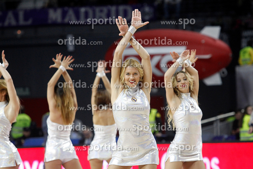 03.12.2015, Palacio de los Deportes, Madrid, ESP, FIBA, EL, Real Madrid vs Fenerbahce Ulker Istanbul, Halbfinale, im Bild Real Madrid's cheerleaders // during thesemifinall Match of the Turkish Airlines Basketball Euroleague between Real Madrid and Fenerbahce Ulker Istanbul at the Palacio de los Deportes in Madrid, Spain on 2015/12/03. EXPA Pictures © 2015, PhotoCredit: EXPA/ Alterphotos/ Acero<br /> <br /> *****ATTENTION - OUT of ESP, SUI*****