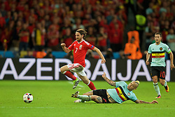 LILLE, FRANCE - Friday, July 1, 2016: Wales' Joe Allen in action against Belgium's Radja Nainggolan during the UEFA Euro 2016 Championship Quarter-Final match at the Stade Pierre Mauroy. (Pic by David Rawcliffe/Propaganda)