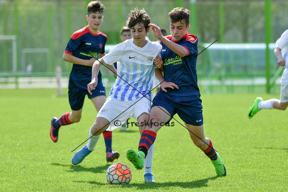 01.04.2017; Zuerich; <br /> Fussball FC Zuerich - FE15 Oberland - Red Star;<br /> Rilind Ibrahimi (Zuerich) Jannis Kalpaxidis (Red Star) <br /> (Andy Mueller/freshfocus)