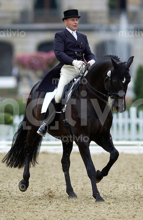 Pferdesport Dressurpruefung - Grand Prix Gold-Zack RIDERS TOUR Preis der Baden-Wuerttembergischen Bank AG Donaueschingen (Germany) Willy Schetter (GER) auf Tullamore